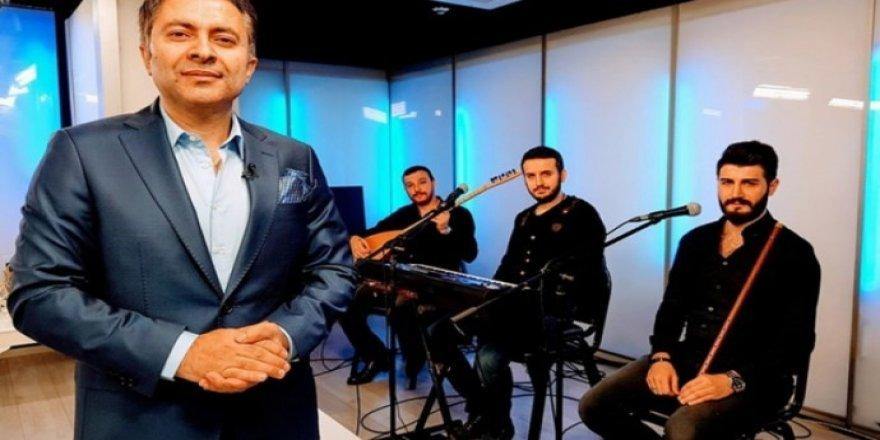 Kürtçe şarkılara dadanmış bir Menzilci: Hem çalıyor hem sevap kazanıyor