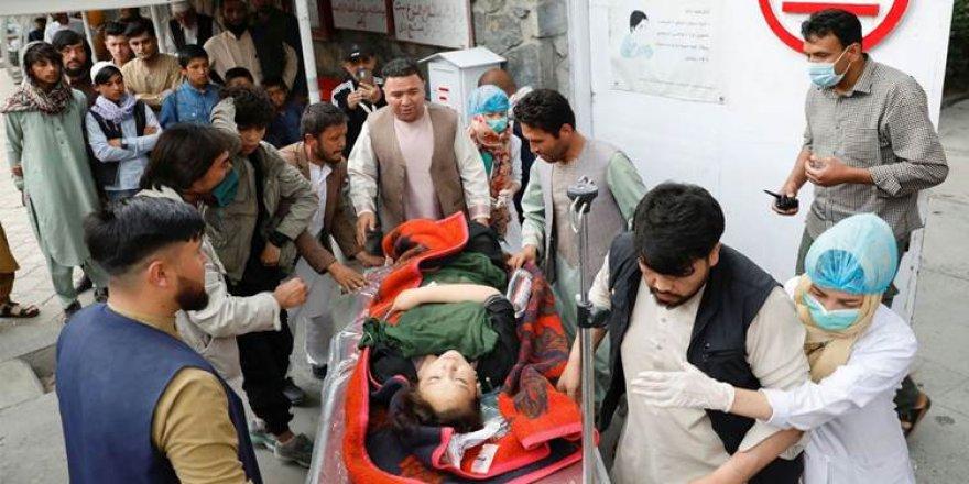 Afganistan'da okula bombalı saldırı: 25 kişi öldü