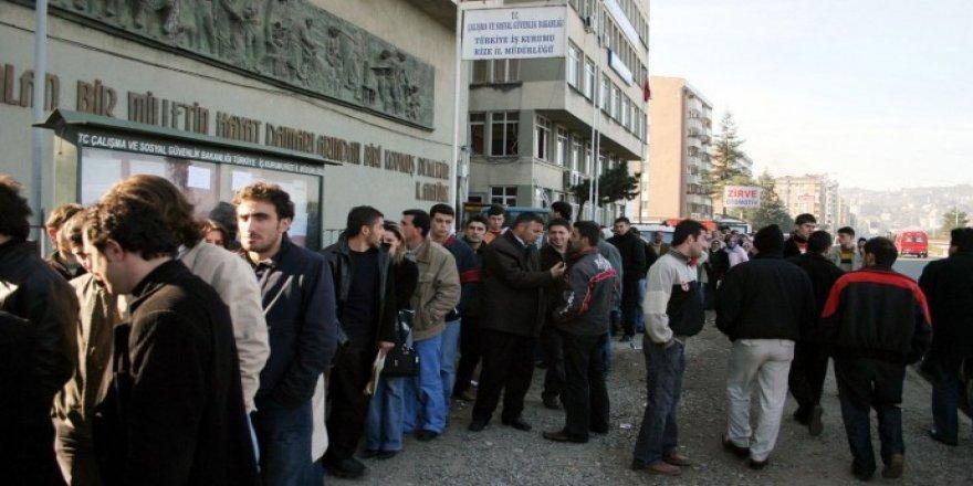 TÜİK'e göre işsiz sayısı artarken işsizlik oranı düştü