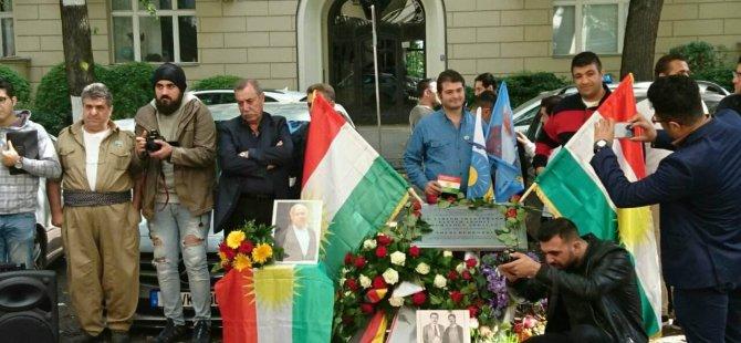"""Zebaniler Ülkesi İran ve Berlin """"Mykonos"""" katliamı"""