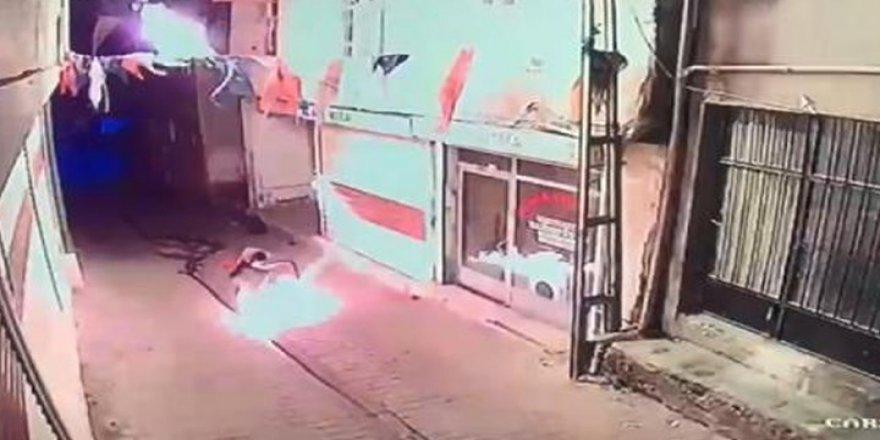 Diyarbakır AKP Hani ilçe binasına molotof kokteyli atıldı