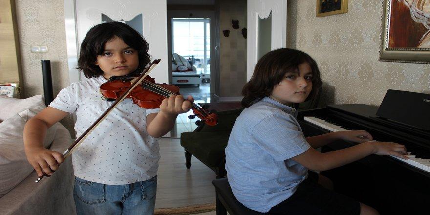 Diyarbakırlı genç piyanistin müthiş yeteneği