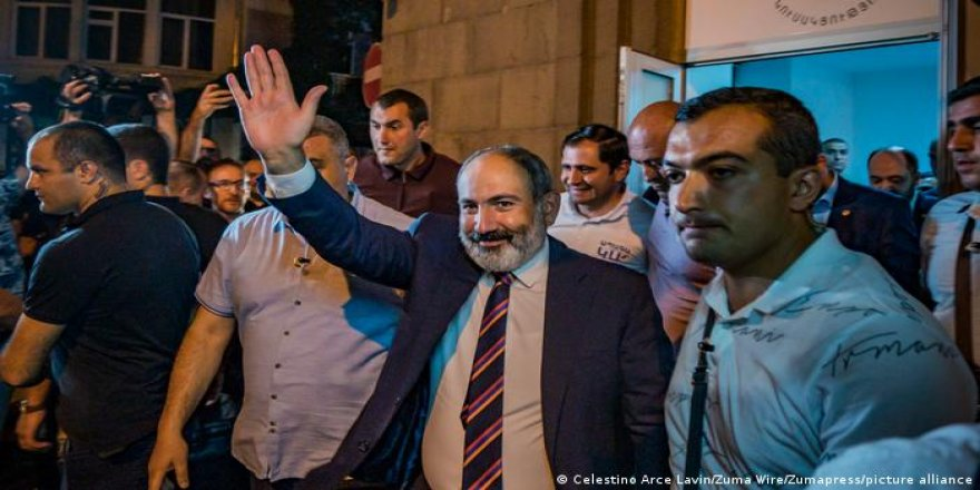 Ermenistan'da seçimin galibi Paşinyan
