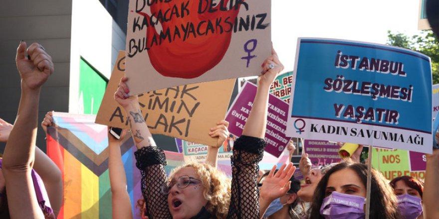 Dünya basını: Kadınlar mücadeleye devam dedi