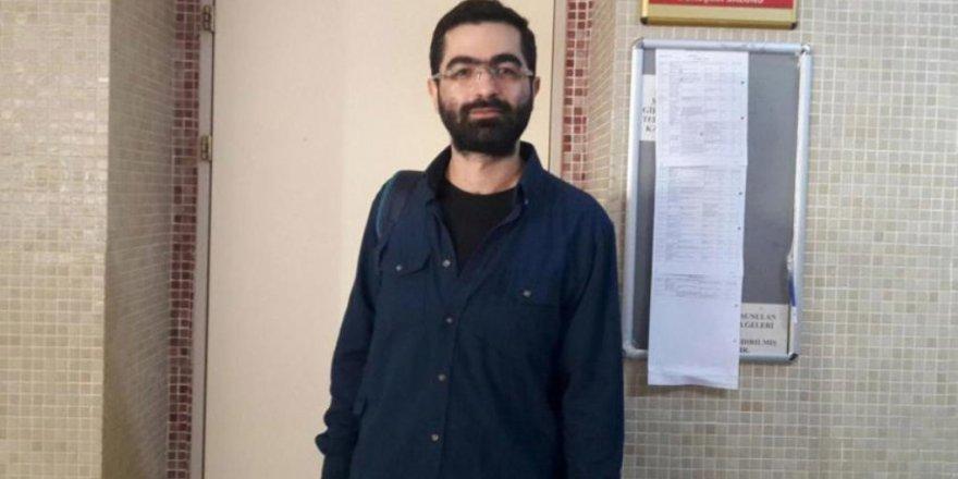Gazeteci Cem Şimşek'e 'karikatür haberi' nedeniyle 11 ay hapis cezası