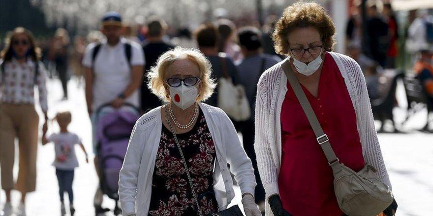 Türkiye'de günlük koronavirüs vaka sayısı tekrar 10 binin üzerine çıktı
