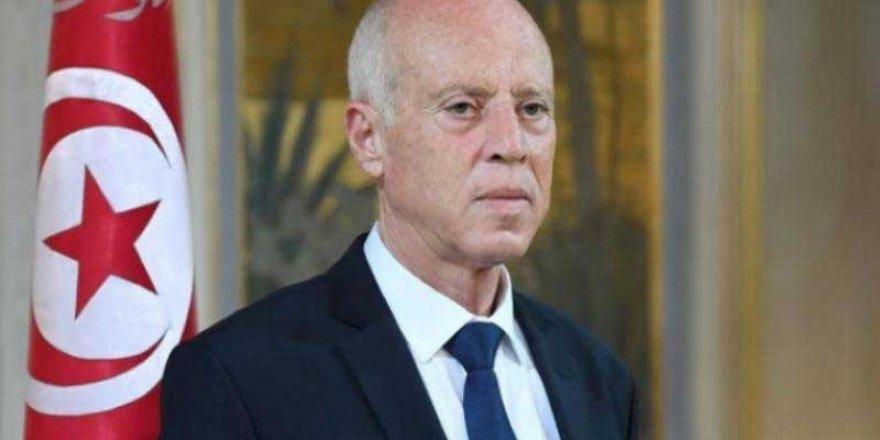 Tunus Cumhurbaşkanı meclisin tüm yetkilerini durdurdu