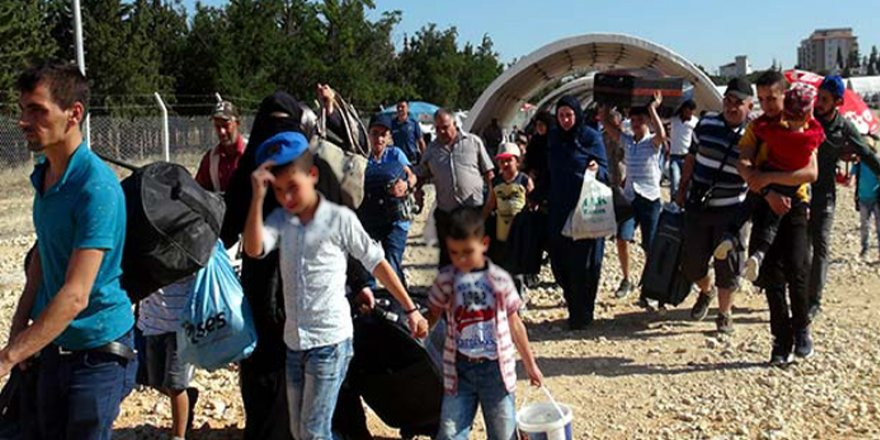 Göçmen vurgunu: Aralarında göç idaresi çalışanları, eski belediye başkanı ve bakanlık danışmanı da var
