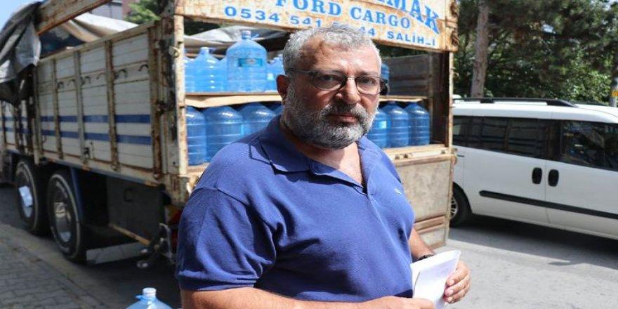 Yabancılara su götüren Kürt iş insanı tepki ile karşılandı