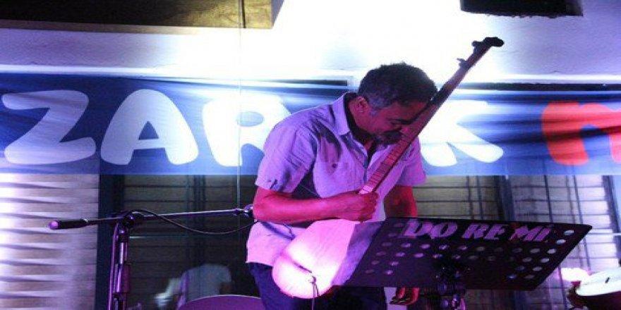 Mikail Aslan'dan Diyarbakır'da müzik şöleni