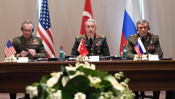 Rusya Suriye'deki birliklerin bir kısmını çekecek!