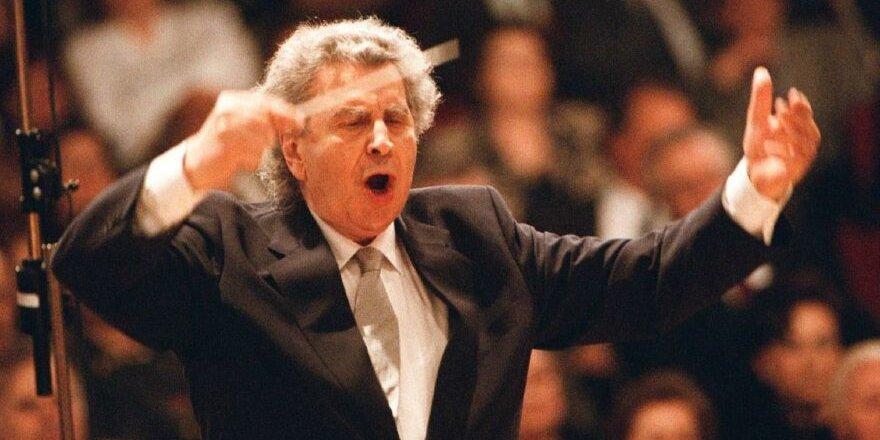 Dünyaca ünlü besteci Mikis Theodorakis hayatını kaybetti