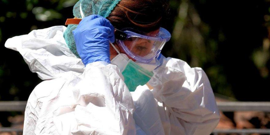 Hemşireler sahte aşı kartı operasyonunda tutuklandı