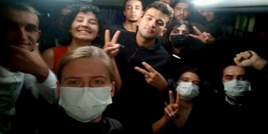 İstanbul ve İzmir'de gözaltına alınan öğrenciler serbest bırakıldı