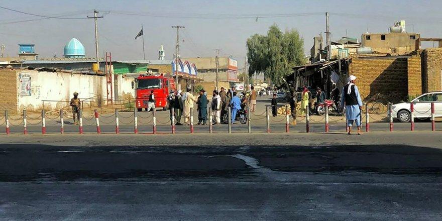 Afganistan'da camiye bombalı saldırı: 37 ölü, 74 yaralı