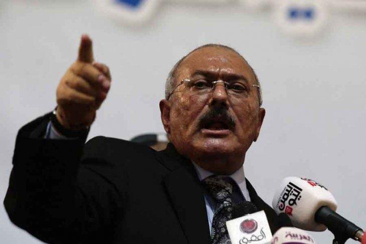 Yemen'in devrik Cumhurbaşkanı öldürüldü!
