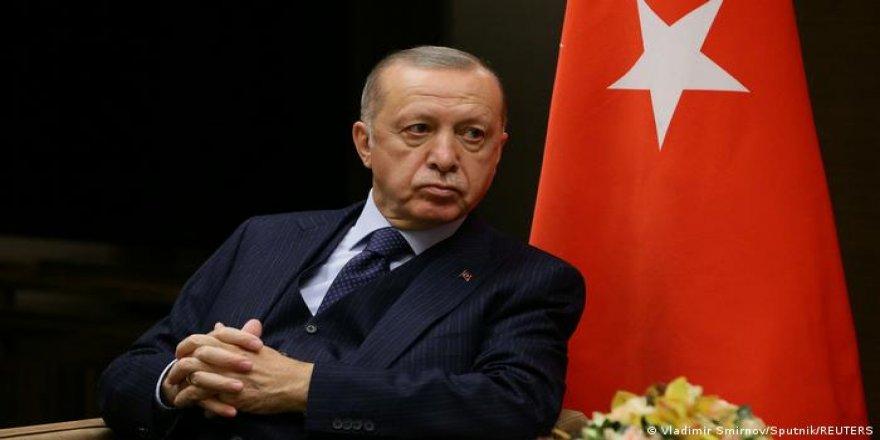 Taştekin: Batı kırmızı ışığı yaktı: Erdoğan için yolun sonu mu?