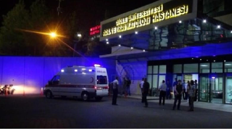 Diyarbakır'da yine zırhlı araç bir çocuğu canından etti!