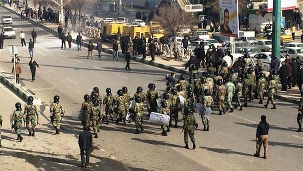 İran protestoları: Ölü sayısı 18'e yükseldi!