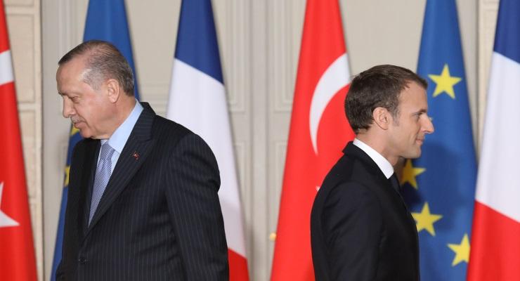 Erdoğan Paris'e eleştirilmek için mi gitti?