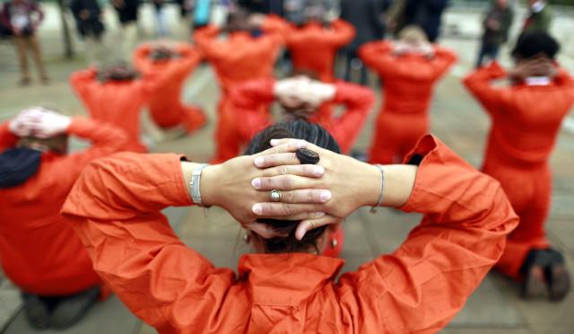 Tek tip kıyafete direnişe ilk ceza haberi Diyarbakır Cezaevi'nden