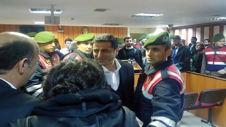 İlk kez hakim karşısına çıkan Demirtaş'ın davası 17 Mayıs'a ertelendi!