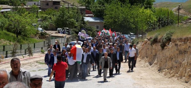 Kürdistan Halkı Son Yolculuğunda Şeyh Mehmud Yeşil'i Yalnız Bırakmadı