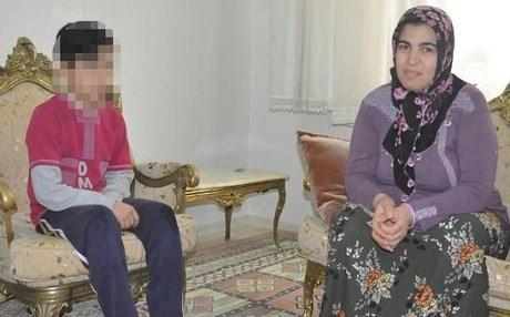 Şovenizm zirvede: Amed'de öğrenciye İstiklal Marşı dayağı