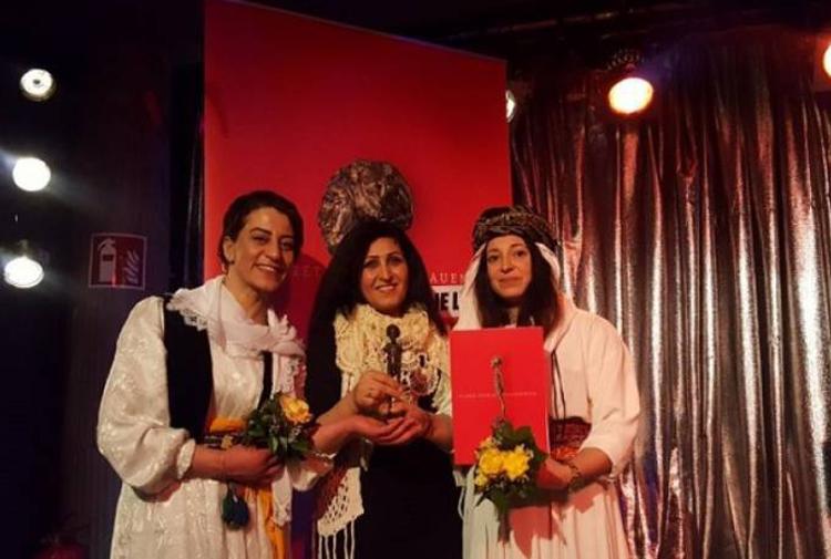 'Clara Zetkin Ödülü' Ezidi Kadınlar Özgürlük Hareketi'ne