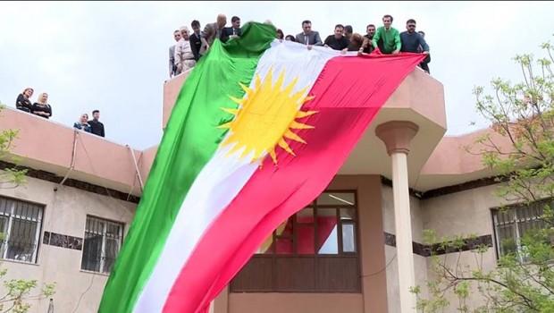 Kürdistan bayrağına yasağa tepki!