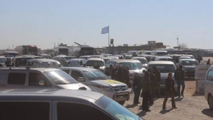 Afrin göç alıyor...Minbiç'te toplananlar destek için Afrin'e gidiyor