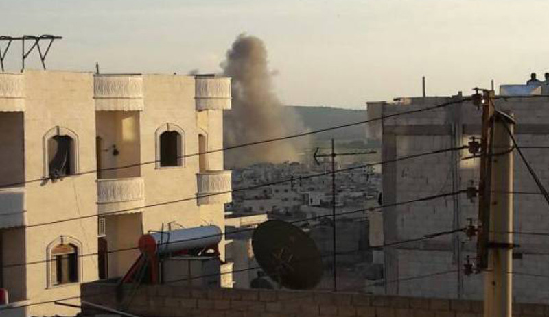 Savaş uçakları Afrin merkezi vuruyor..