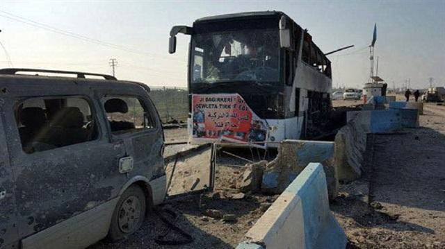 Afrin'den çıkan sivilleri taşıyan araç konvoyu vuruldu, yaşamını yitirenler var