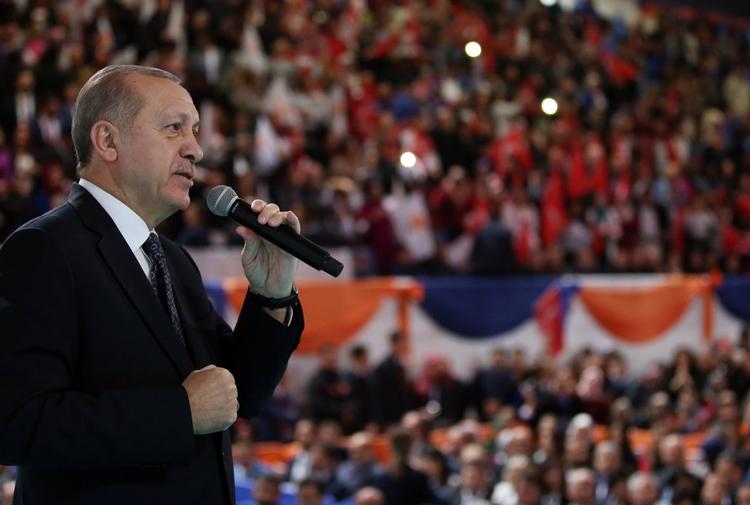 Diyarbakır'da konuşan Erdoğan: İslam'la yoğrulan ordunun Afrin'i fethi yakın