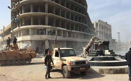 ÖSO mensupları Demirci Kawa'nın heykelini yıktı