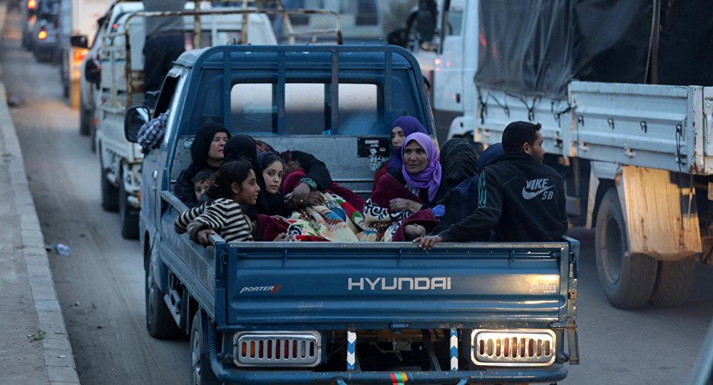 Afrinli siviller yerlerde ve otomobillerde yatıyorlar