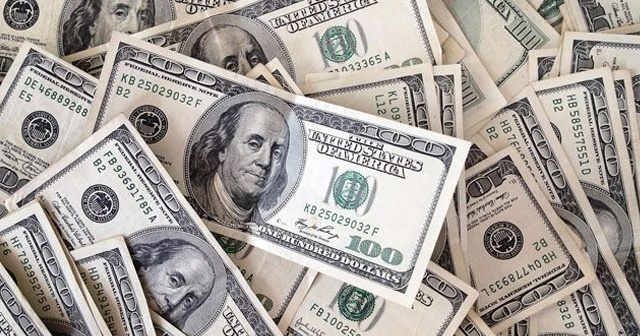Dolar/TL 4'ün üstünü gördü