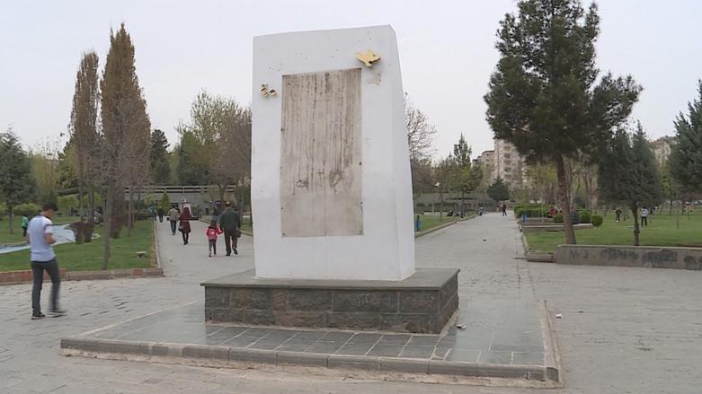 Diyarbakır'da İnsan Hakları Anıtı saldırıya uğradı