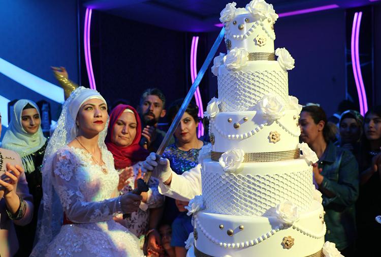 Diyarbakır'da damatsız düğün...