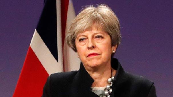 İngiltere Başbakanı, Suriye'ye askeri müdahaleye onaya hazır