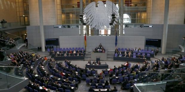 Almanya Parlamentosu'nda oylanan 1915 olaylarını soykırım olarak niteledi