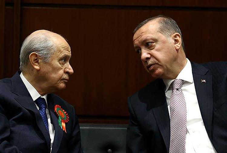 AKP kulisleri: Bahçeli'nin erken seçim çıkışına 'tuzak' diyen de var, güvenmeyen de