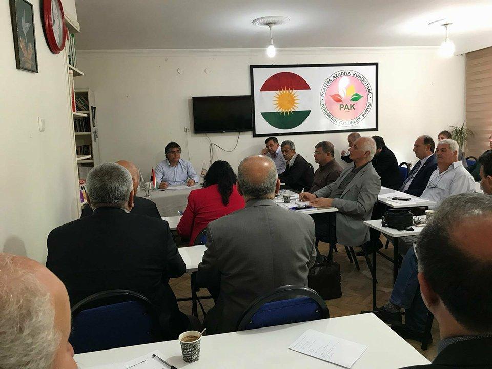 PAK MYK Diyarbakır'da Toplandı: Asgari Ulusal Demokratik Taleplerimizi Kabul Eden En Geniş Kesimlerle Seçimlerde İttifak Yapmalıyız