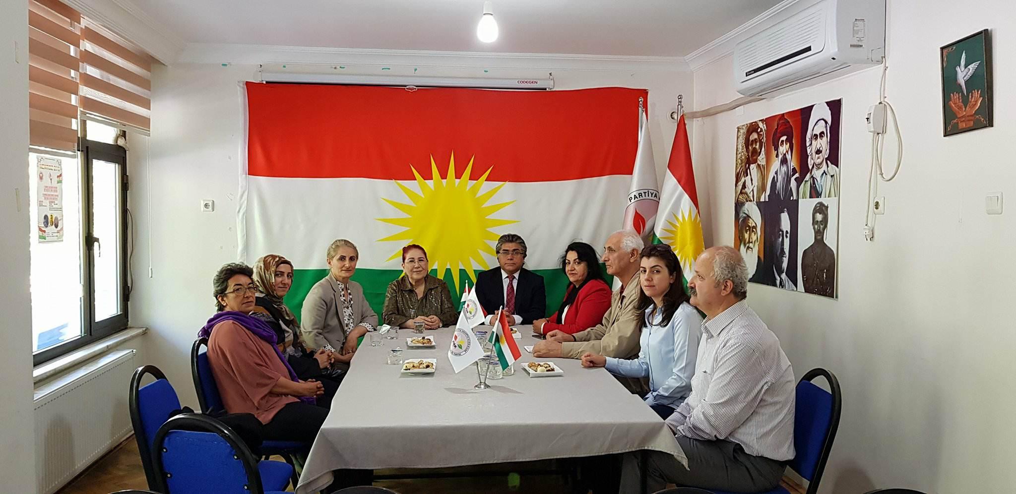 Birleşik Kürt Kadınları Platformu Diyarbakır'da PAK'ı Ziyaret Etti