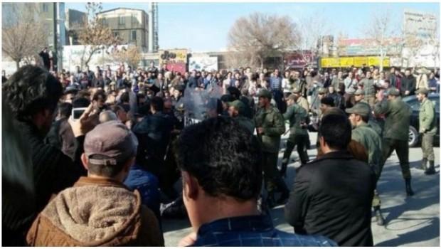 Doğu Kürdistan'da eylemler sürüyor
