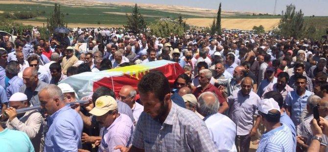 Yazar'ın tabutuna Kürdistan bayrağı sarıldı