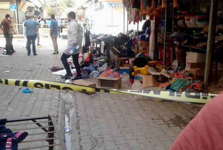 Suruç'ta AKP'li adayın seçim çalışması: 2 ölü