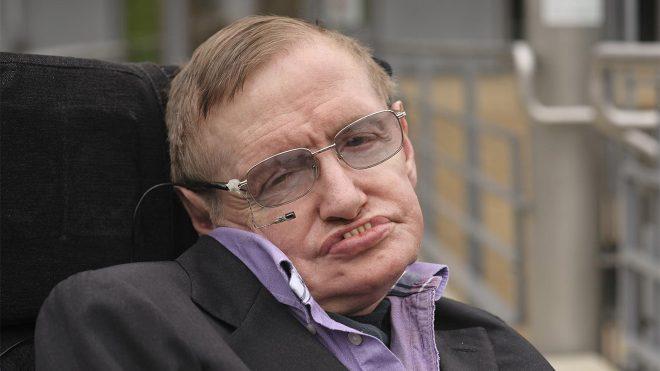 Hawking'in ses kaydı kara deliğe gönderildi