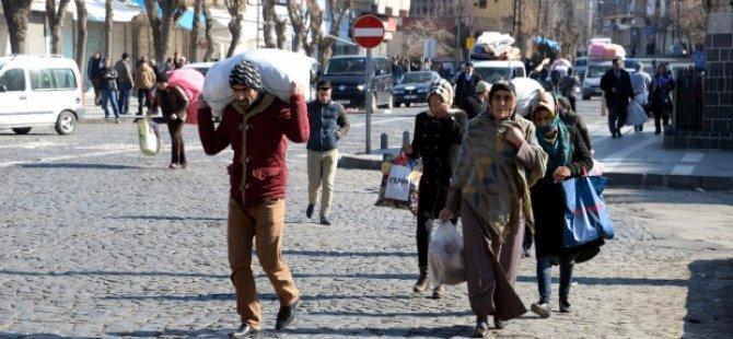 Göç-Der: Yasak ve operasyonlar 1 milyon insanı zorla yerinden etti!