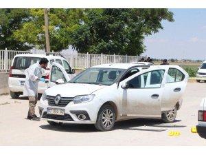 Suruç'ta havaya ateş açılarak durdurulan araçtan 4 çuval oy pusulası çıktı